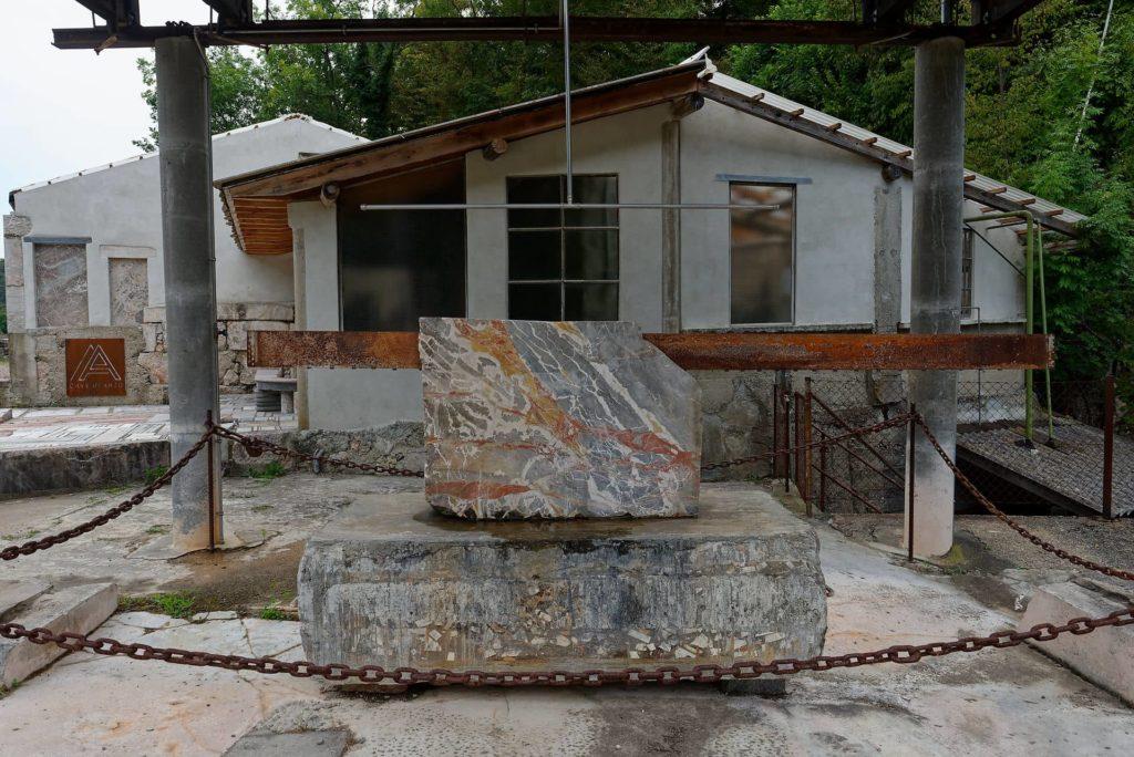 Carrière du marbre d'Arzo