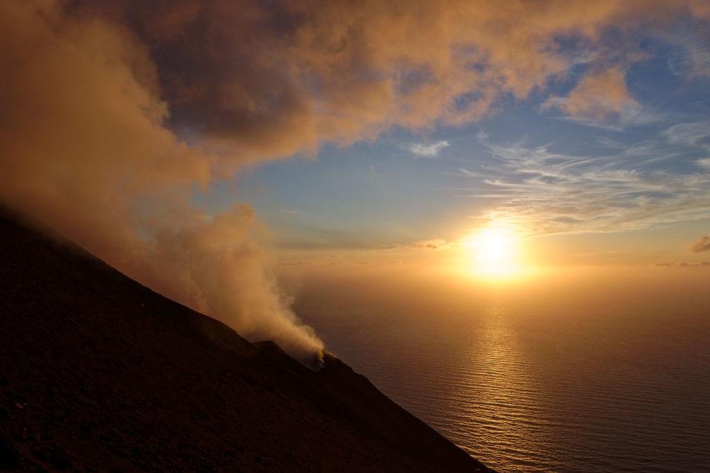 Coucher de soleil au dessus de la mer thyrrhénienne vu du Stromboli