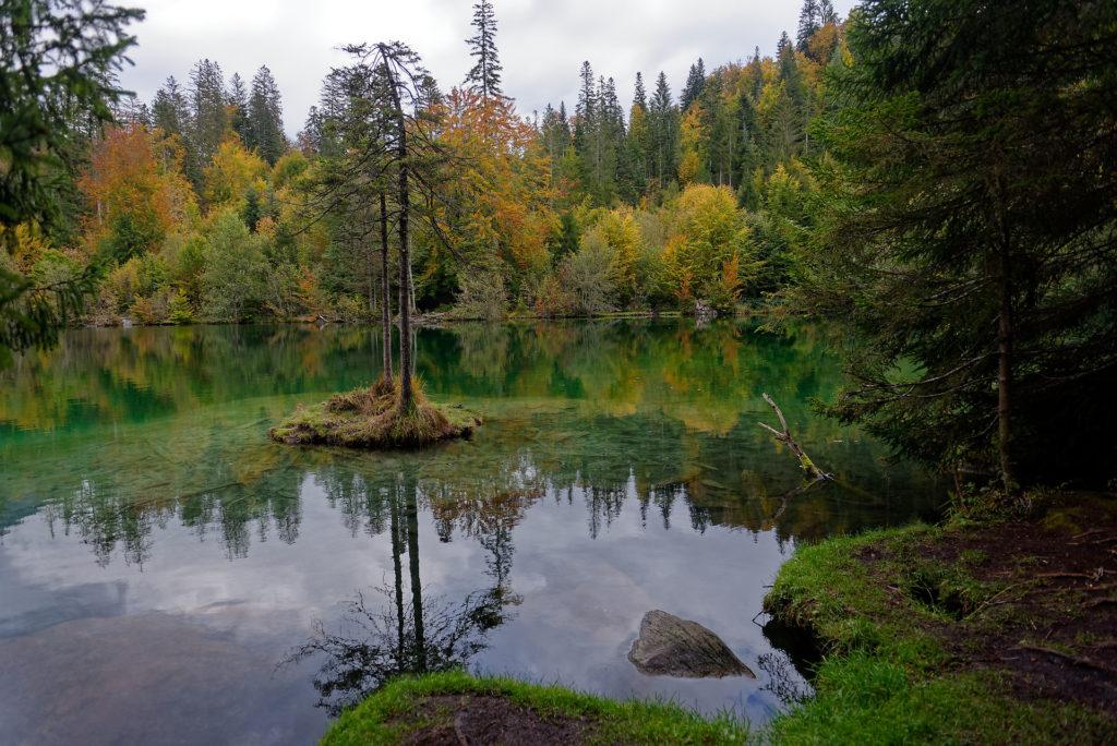 Lac d'altitude en automne