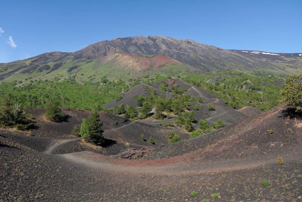 Cônes volcaniques latéraux sur les flancs de l'Etna
