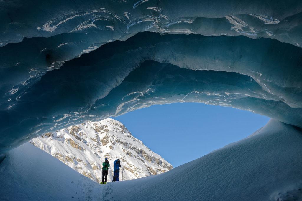 Porche glaciaire à Zinal