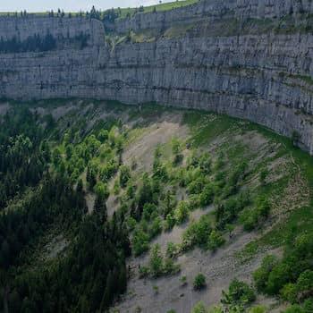Excursions géologiques au Creux du Van