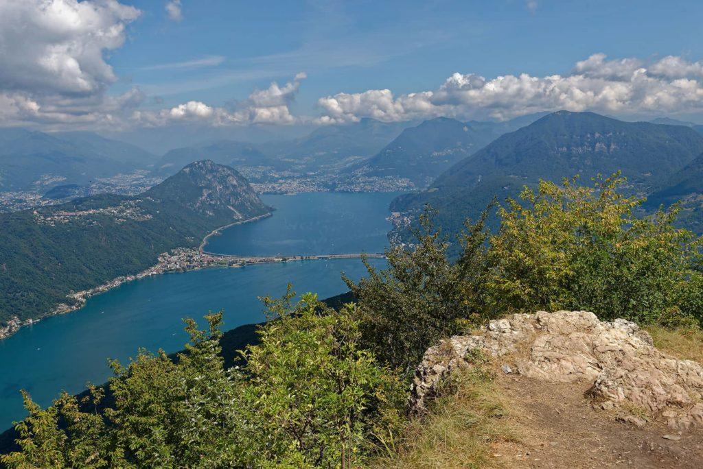 Vue du lac de Lugano depuis le sommet du Monte San Giorgio