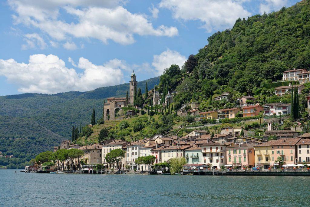 Village de Morcote et lac de Lugano