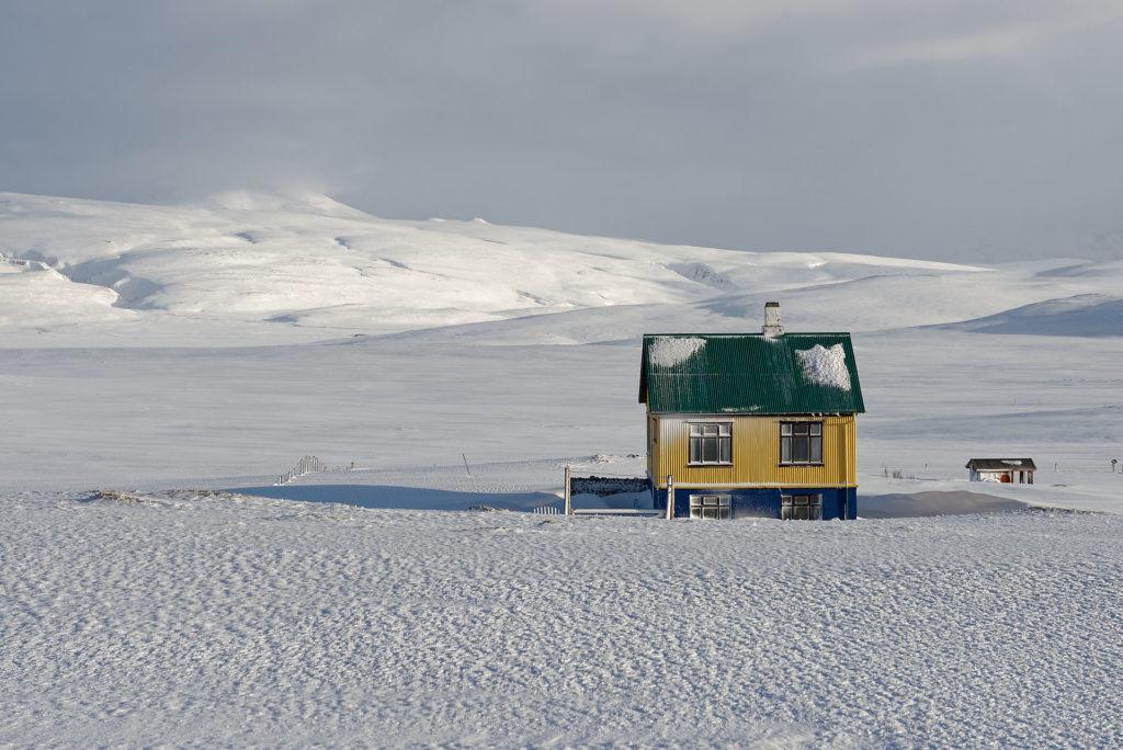 Neigne en hiver en Islande
