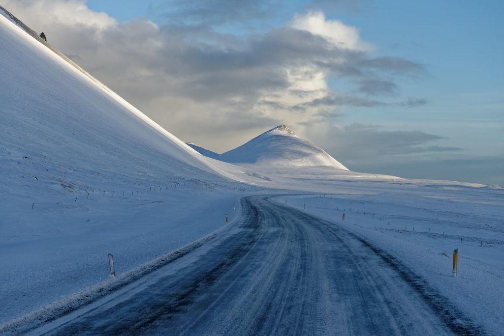 Route enneigée en Islande