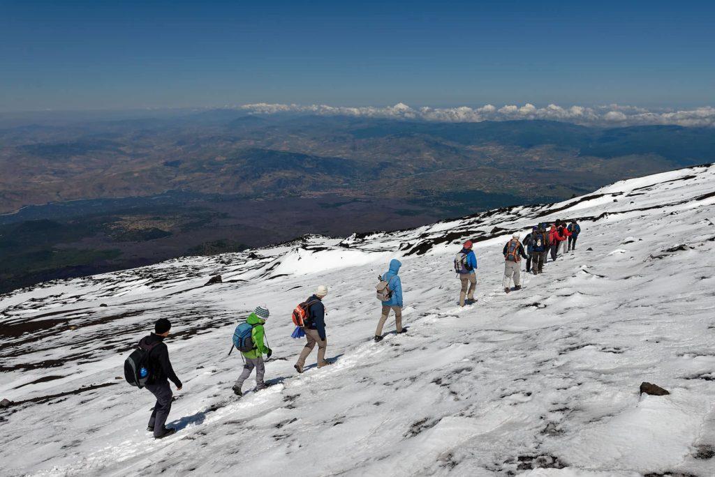 Au sommet de l'Etna, la Sicile à nos pieds!