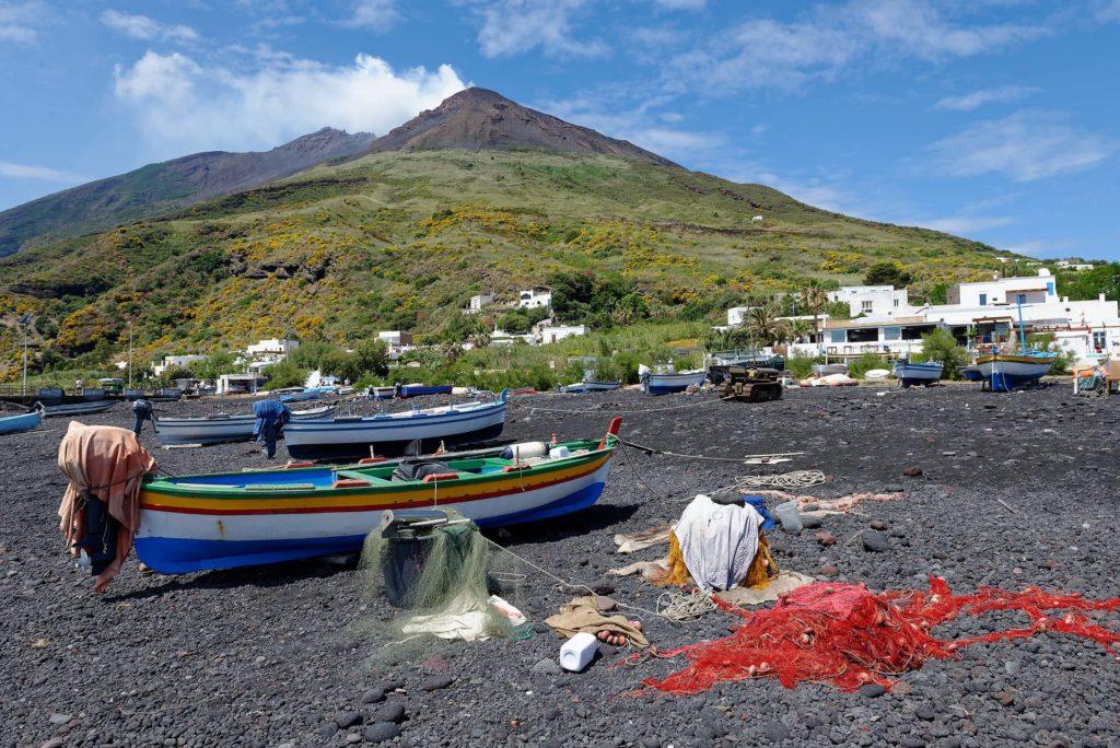Plage au Stromboli