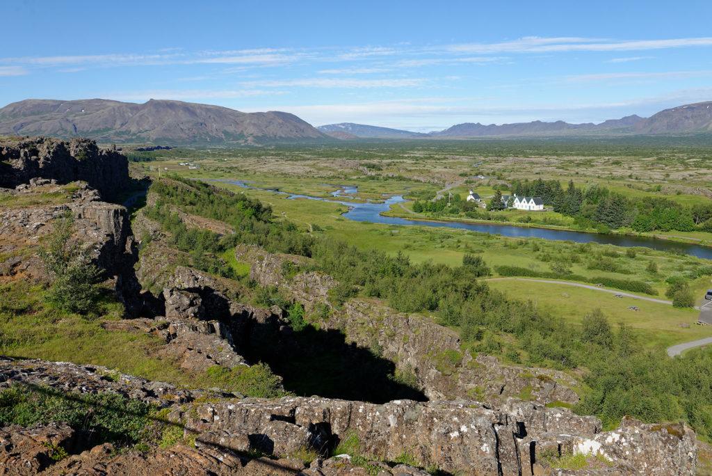 Thingvellir en été et failles tectoniques