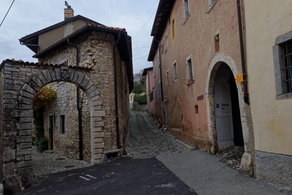 Ruelle de Meride, Tessin