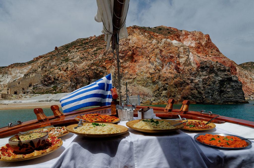 Repas sur le bateau