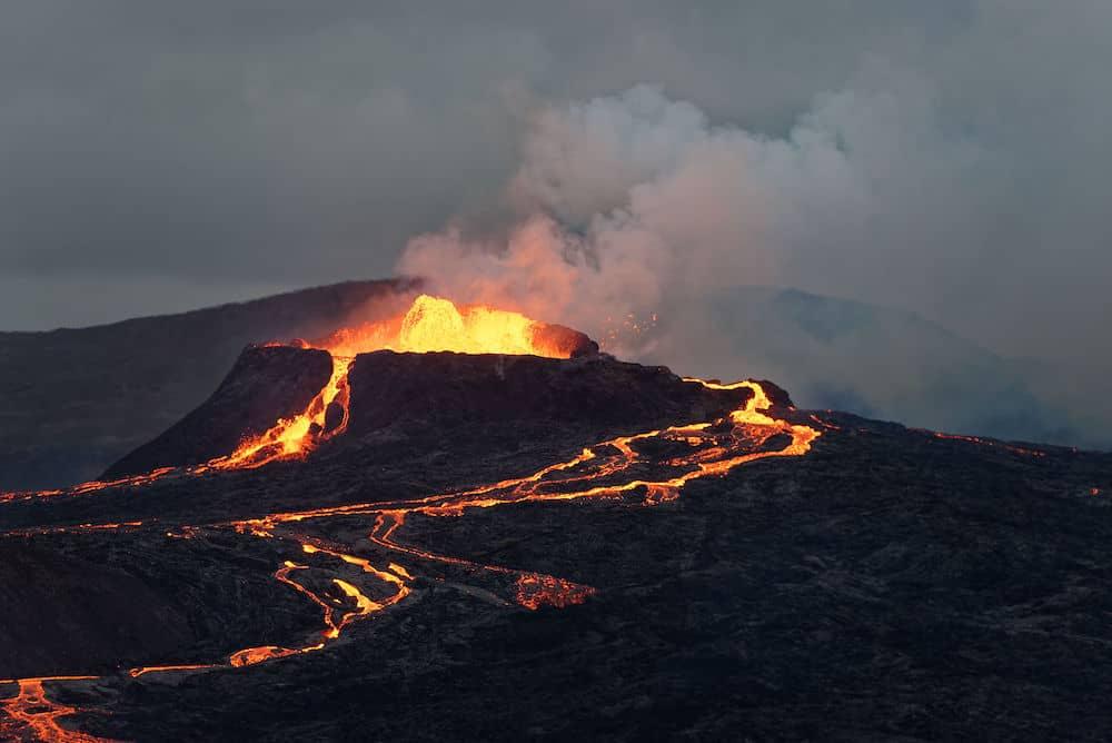 Cratère du volcan Fagradalsfjall